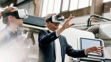 Découvrir l'innovation center de T-systems avec des lunettes de réalité virtuelle, c'est possible.